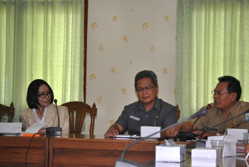 Kunjungan Anggota Senator DPD, Poppy Dharsono ke Purbalingga
